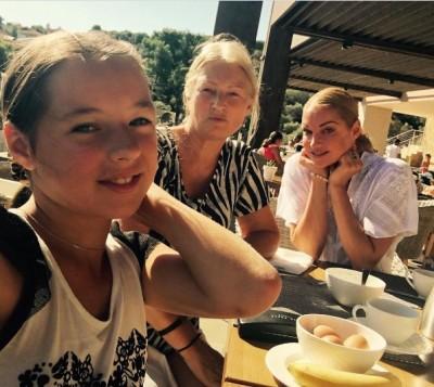 Волочкова поделилась фотографией с отдыха в Греции
