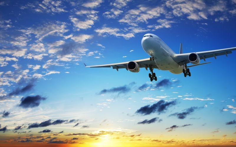 Пилота самолета Москва— Кипр ослепили при взлете
