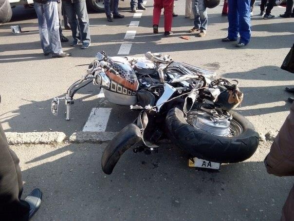 Разыскивается мотоциклист сбивший женщину искрывшийся сместа ДТП вУдмуртии
