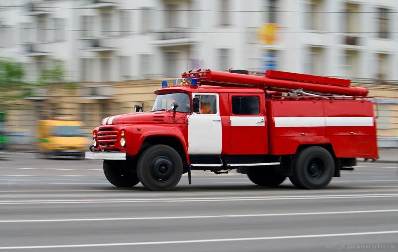 Ярославский пожарный сорвался с11 этажа впроцессе тушения возгорания