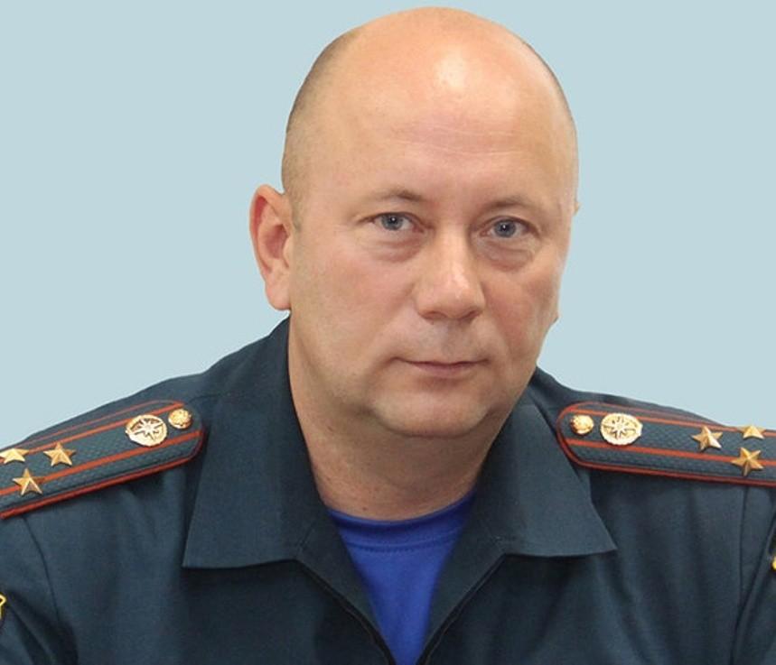 Граждане Приморья простились сглавой краевого МЧС Олегом Федюрой