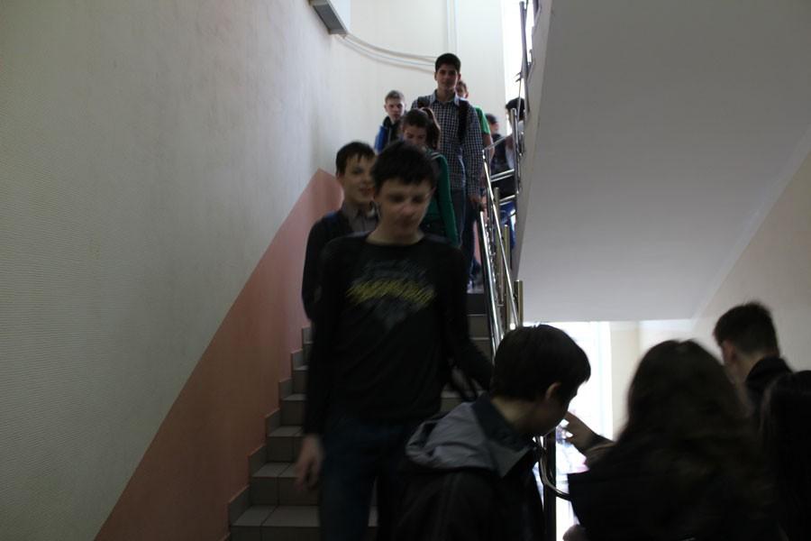 ВПетербурге из-за короткого замыкания эвакуировали школу №474