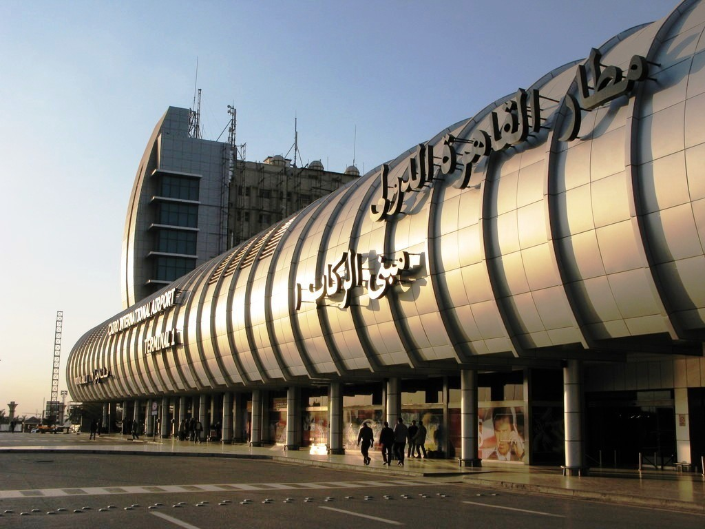 Песков: Российская Федерация прорабатывает возобновление перелетов вЕгипет