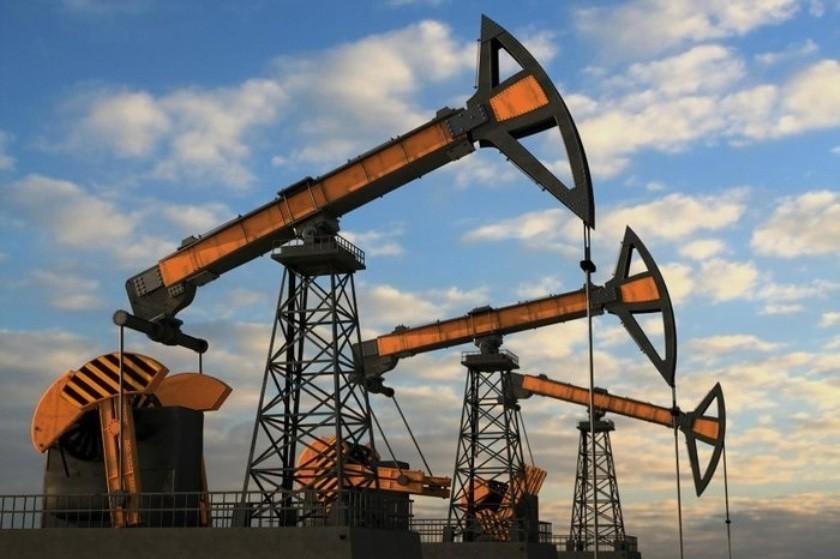 Нефть подорожала из-за резкого снижения запасов США
