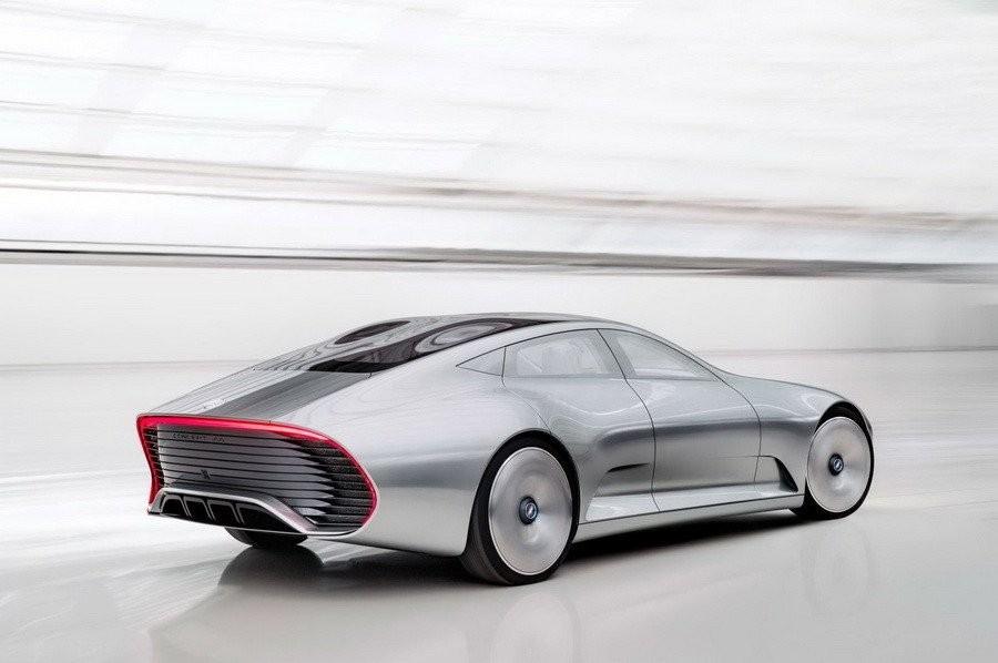 Компания Mercedes презентует новый электрокар напоказе машин вПариже