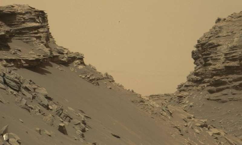 НАСА опубликовало новые фотографии марсианского ландшафта
