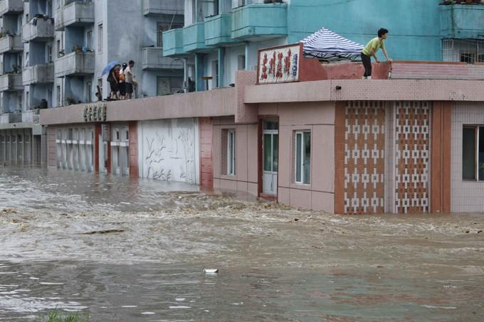 Мощное наводнение вКНДР: 133 погибших