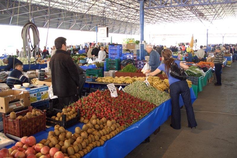 Введен норматив минимальной обеспеченности населения площадью торговых мест напродовольственных рынках