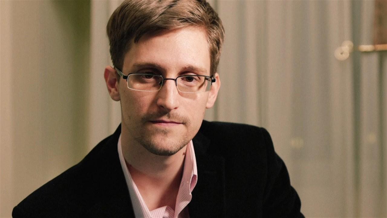 Сноудена без очков узнают на дорогах столицы