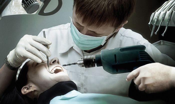 Стоматолог изПетербурга, сломавший пациентке нижнюю челюсть, ответит перед судом