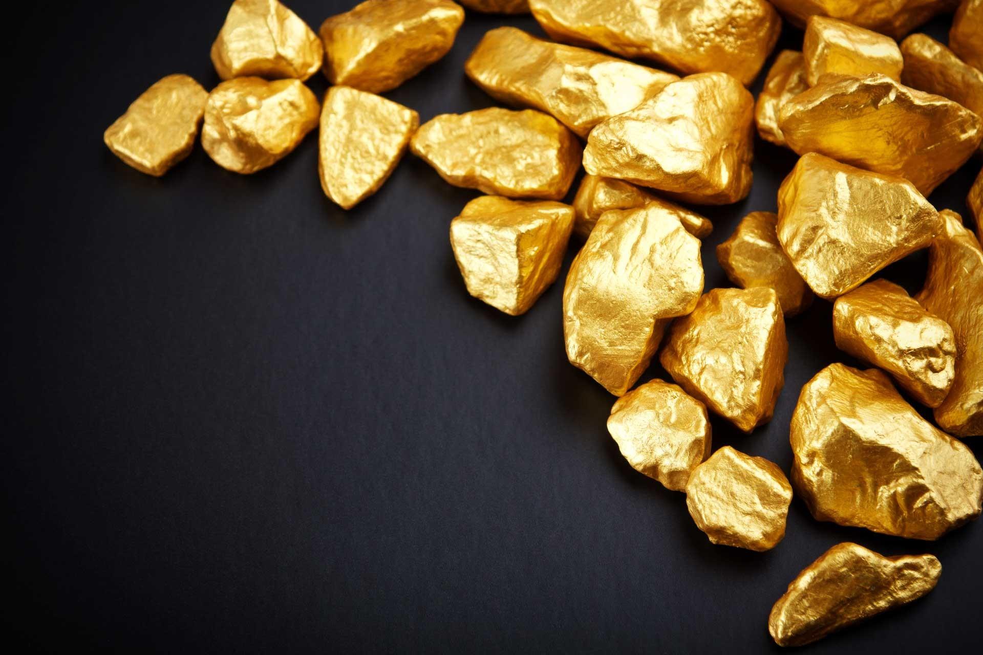 Трое мужчин будут осуждены запопытку сбыта 10-ти килограмм фальшивого золота