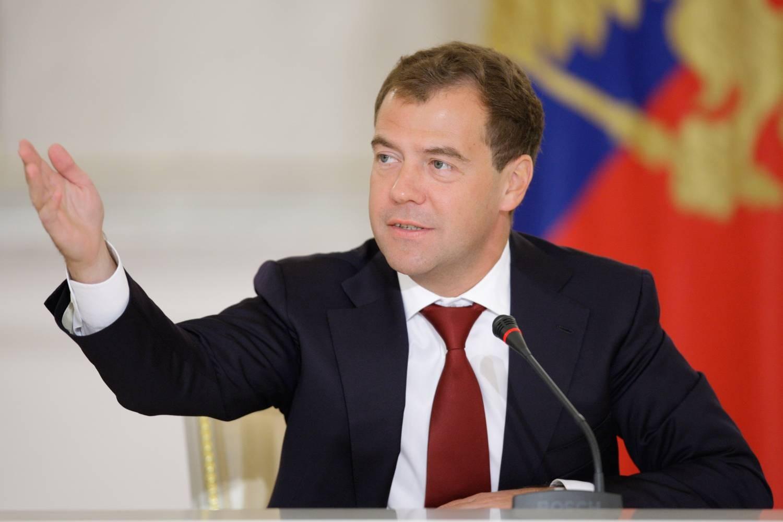 Путин иКадыров поздравили Медведева сднем рождения