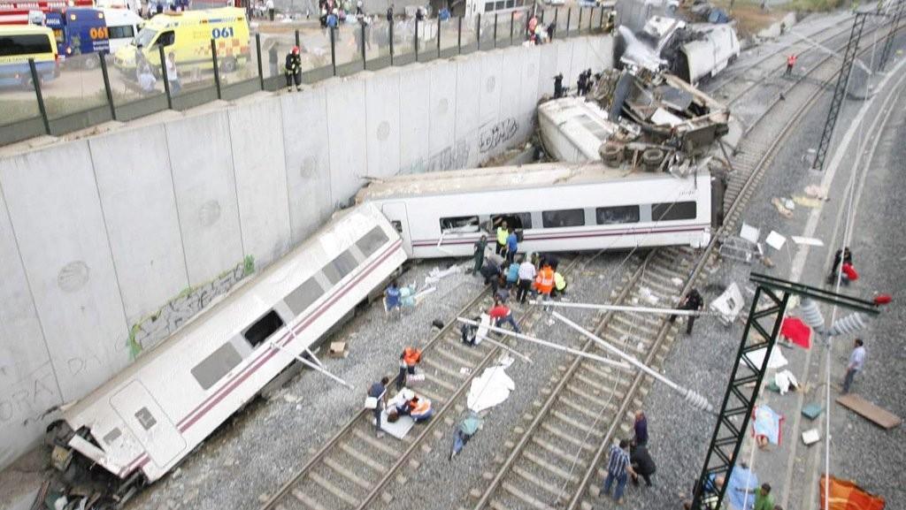 Потерпевший крушение вИспании поезд в 4  раза превысил допустимую скорость