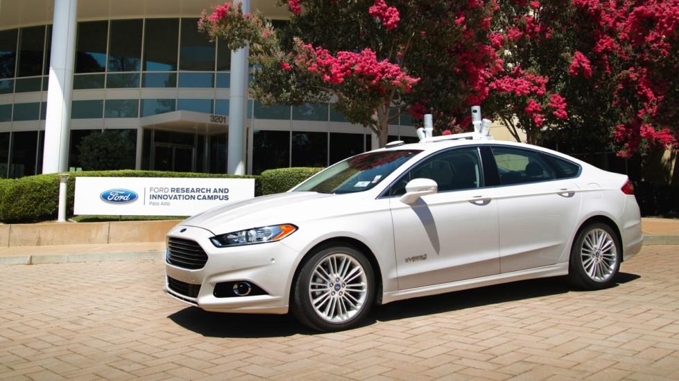 Выпуск беспилотных автомобилей компании Ford начнётся в 2015 году