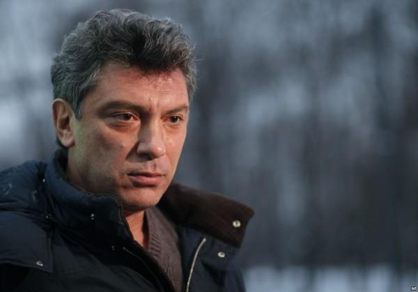 Источник вмэрии разъяснил отказ установить доску Немцову действующим законодательством