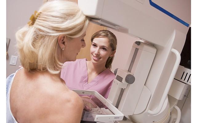 Английские ученые узнали, как останавливать рак груди