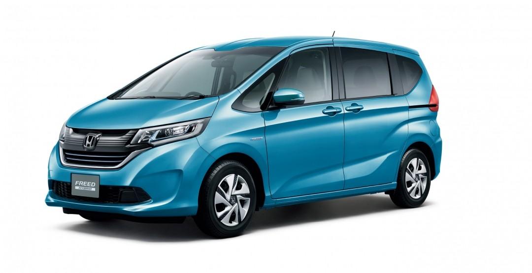 Honda запускает в продажу новый компактвэн