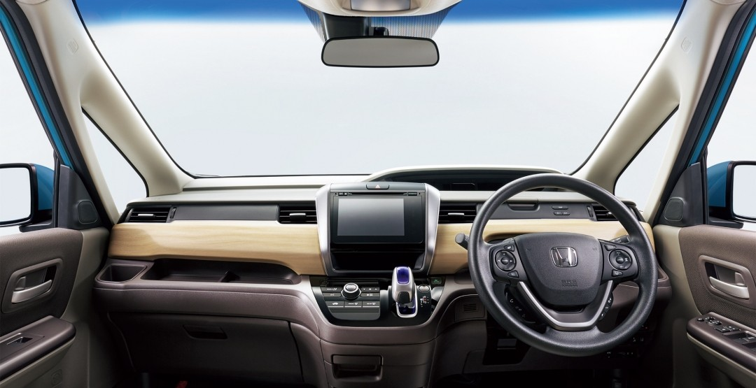 Нарынке Японии стартовали официальные продажи Хонда Freed обновленного поколения