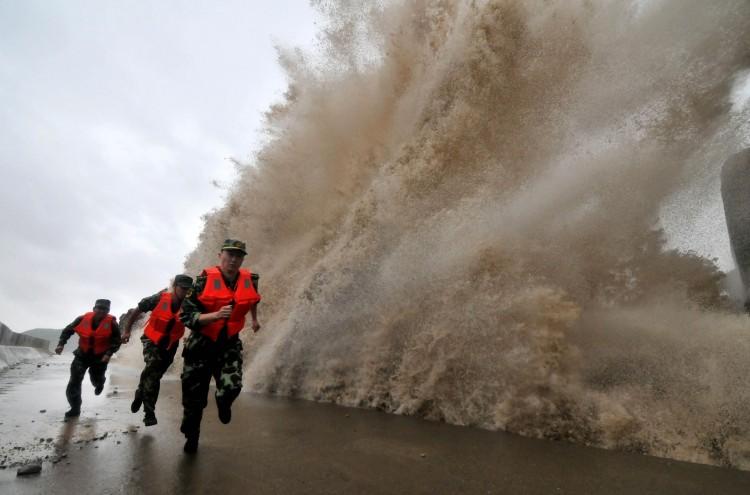 Тайфун «Малакас» ночью обрушится наберегу Китая