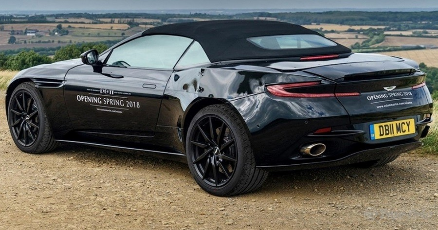 В сети появились снимки кабриолета Aston Martin DB11 с мягкой крышей