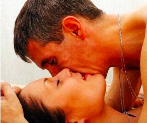 Алексей Панин выставил напоказ обнаженные кадры бывшей супруги