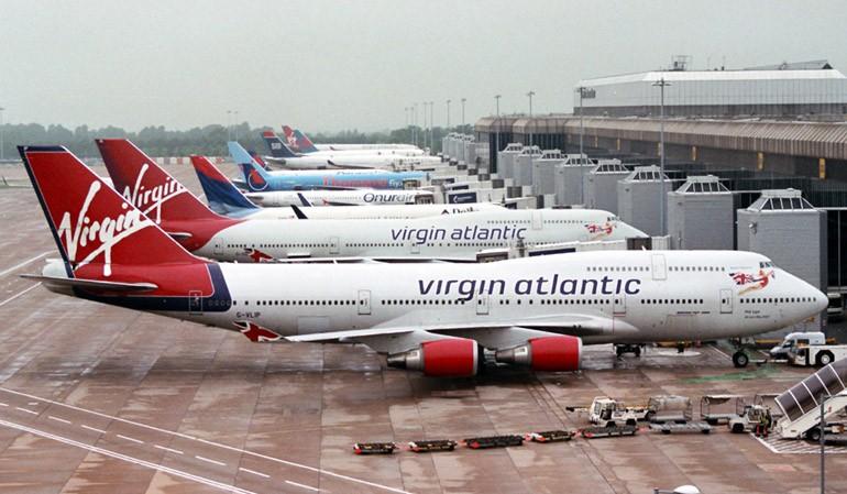 Самолет «Аэрофлота» задел лайнер SprintAir вВаршаве