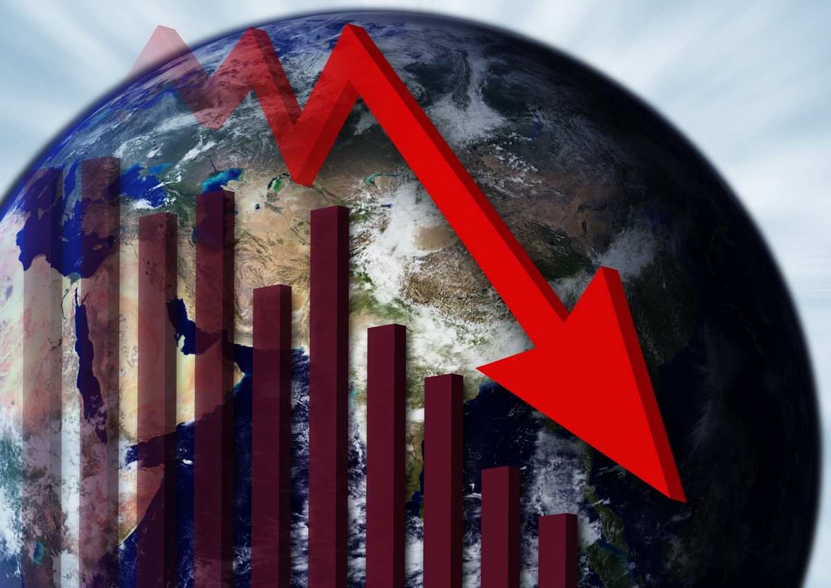 КНР находится награни финансового кризиса