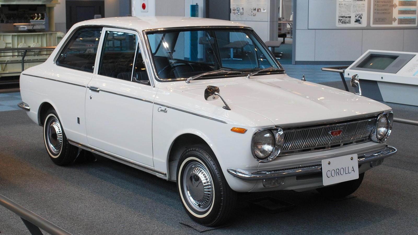 Тоёта Corolla отмечает 50-летний юбилей
