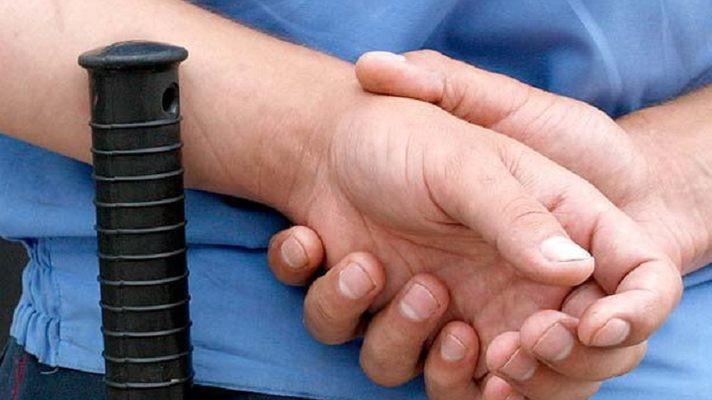 ВКунгуре осудят мужчину, укусившего инспектора ГИБДД