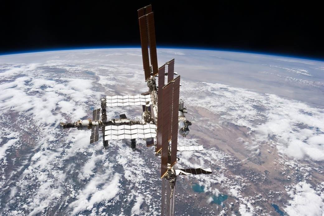 КНР подтвердил, что его первая космическая лаборатория летит кЗемле