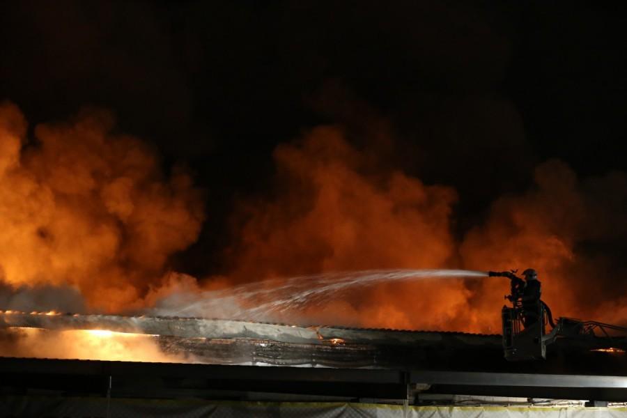 Пожар наскладе навостоке столицы потушен