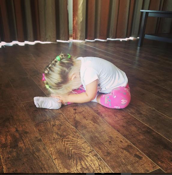 Татьяна Навка показала фото меньшей дочери Надежды вобразе балерины