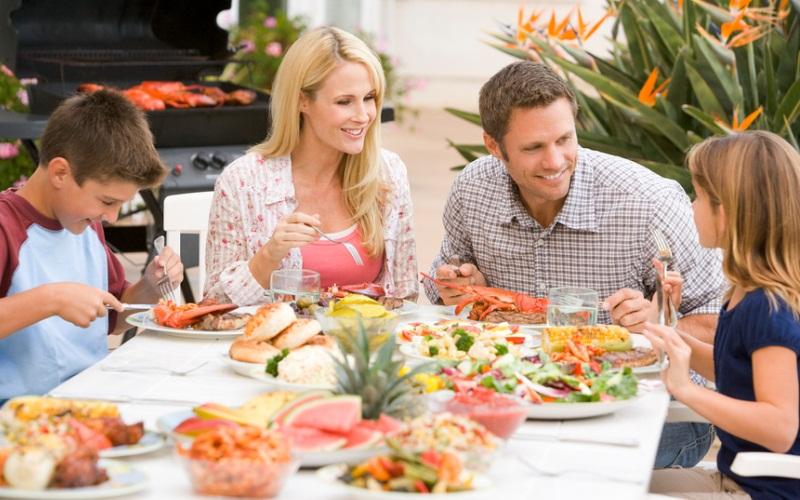 Ужин вкругу семьи увеличивает успеваемость удетей