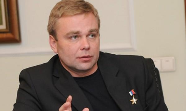 Сураев иСерова, избранные депутатами ГД, уволены изотряда космонавтов