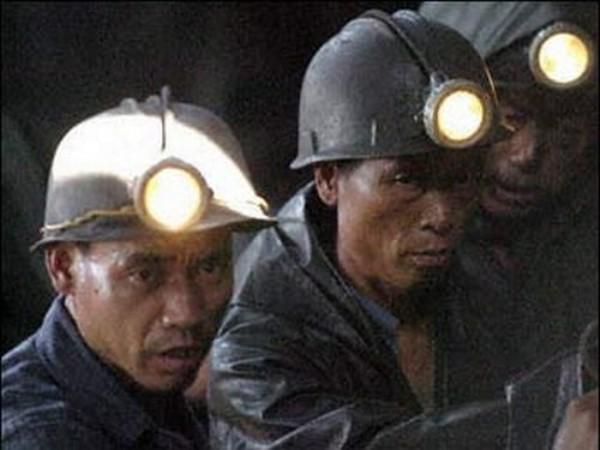 Нашахте вКитайской республике произошел взрыв, под землей заблокированы люди
