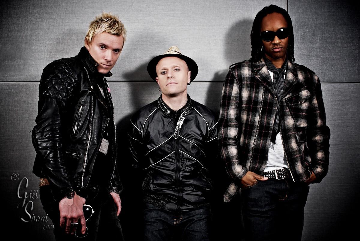Группа «The Prodigy» ищет диджея для русских концертов