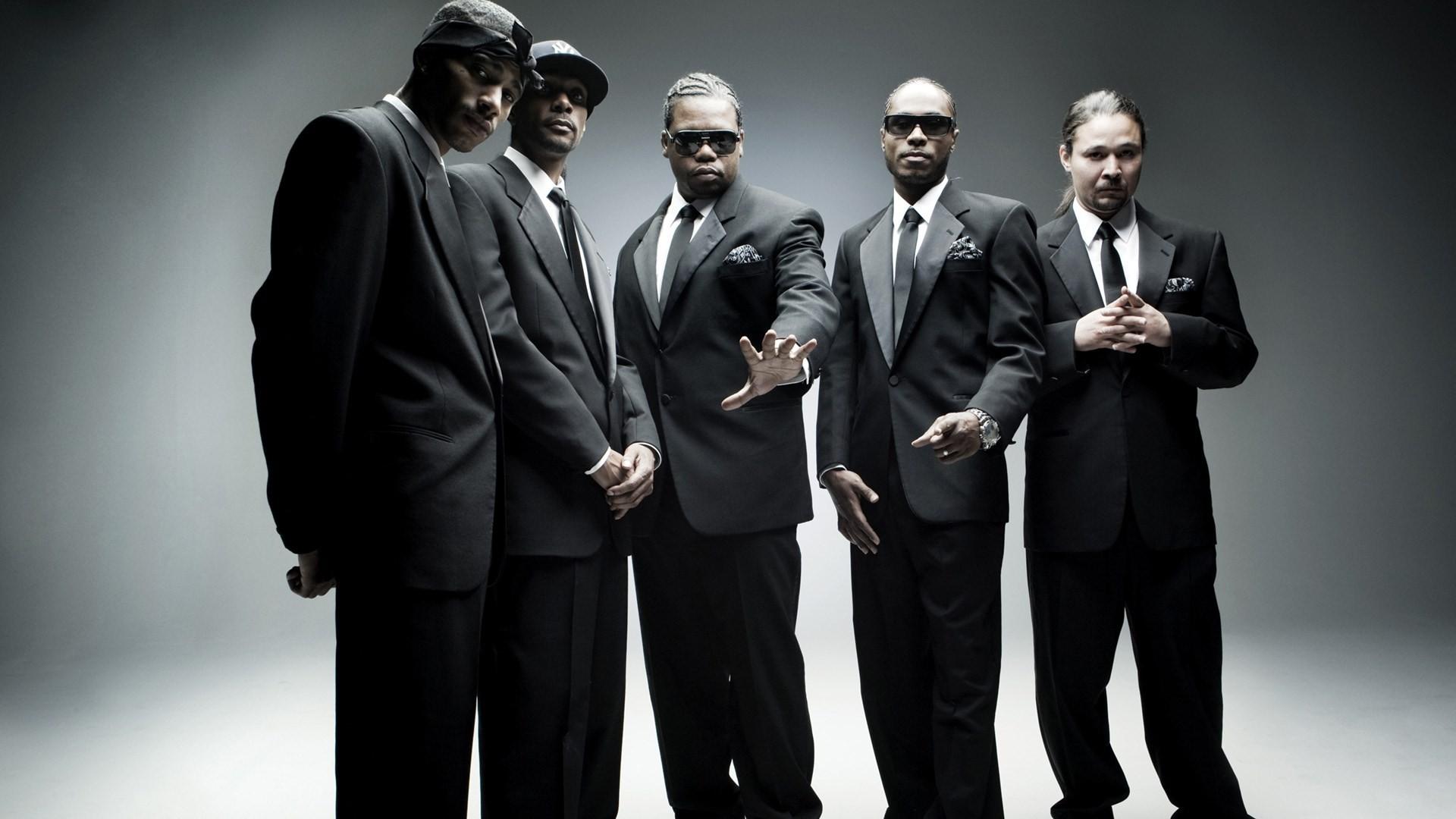 Во время концерта Bone Thugs-n Harmony одного из реперов сбил дрон