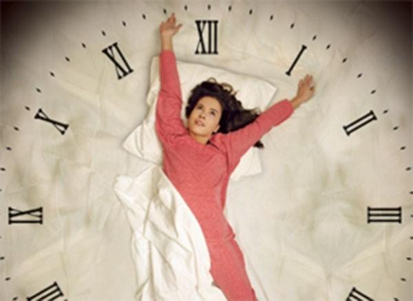 Биологические часы вызывают жажду перед сном