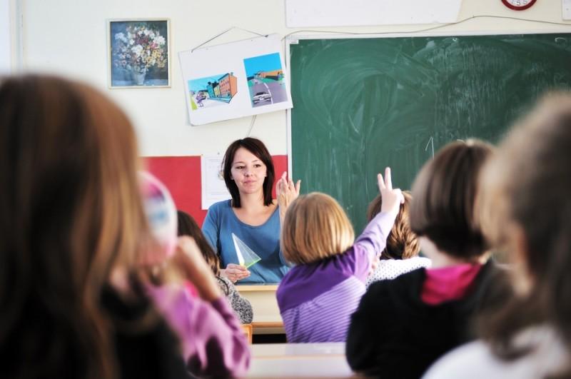 Генпрокуратура потребовала наказать учителя, заставившего детей простоять два урока