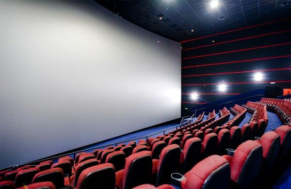 Россияне стали чаще покупать билеты в кино через интернет