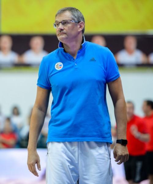 Базаревич: Сборная побеждала, даже когда мяч валился из рук