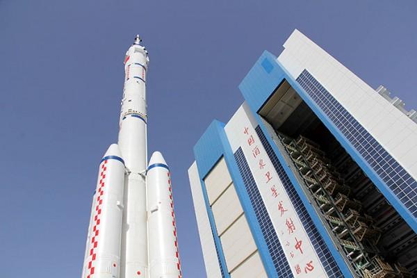 """Китай запустил второй посещаемый орбитальный модуль """"Тяньгун-2"""""""