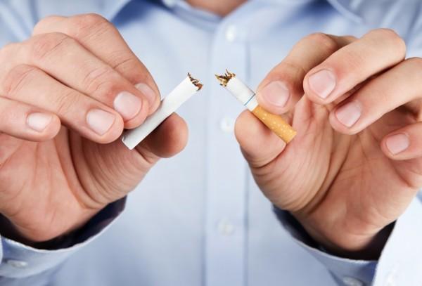 Ученые: Сиделки в больницах помогают пациентам бросить курить