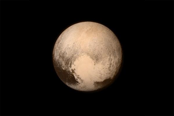 Ученые: под поверхностью Плутона может находится океан