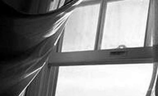 Московская школьница выпала из окна своей квартиры после ссоры с отцом