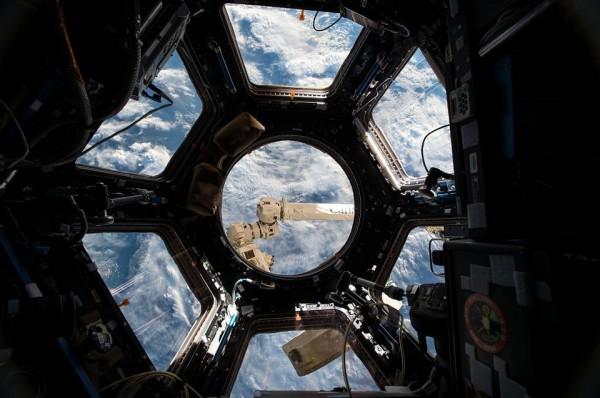 Иллюминаторы МКС получат защиту от космического мусора