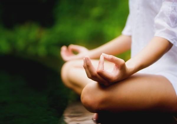 Ученые: Медитация помогает держать эмоции в узде