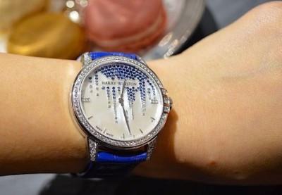 О трех моделях швейцарских женских часов с бриллиантами