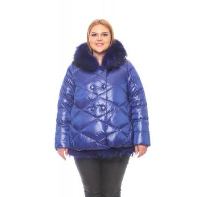 Как выбрать короткую женскую куртку большого размера?