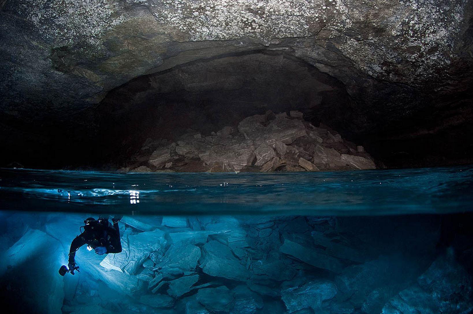 Польские ученые отыскали самую глубокую подводную пещеру